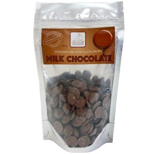 Milk chocolate couverture buttons